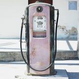gammal petrolstation Royaltyfri Fotografi