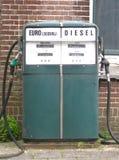 gammal petrolstation Arkivbilder