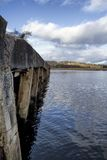 Gammal pir, Lough Swilly, Co Donegal royaltyfri fotografi
