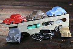 Gammal plast- modellbiltransport Fotografering för Bildbyråer