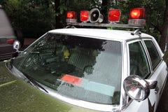 Gammal polisbil på den Retro festen i Moskva Royaltyfri Fotografi
