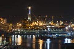 Gammal port av Genova vid natt Arkivfoton