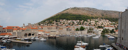 Gammal port Dubrovnik Royaltyfri Bild