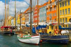 Gammal port i Köpenhamn i sommar Fotografering för Bildbyråer