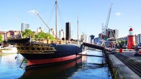 Gammal port i Rotterdam. Arkivbilder