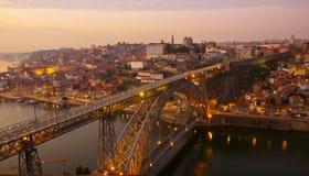 gammal porto portugal solnedgångtown arkivfoto