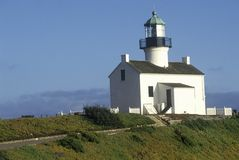 Gammal punkt Loma Lighthouse på Cabrillo den nationella monumentet i Point Loma, San Diego, CA Arkivfoto