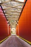 Gammal röd brokonstruktion Royaltyfri Foto