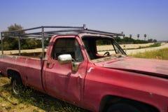 gammal röd lastbil Royaltyfri Foto