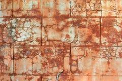 Gammal röd stuckaturvägg Royaltyfri Foto