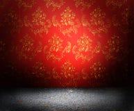 gammal röd wallpaper Royaltyfria Bilder