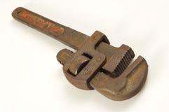 gammal rørskiftnyckel Royaltyfri Foto