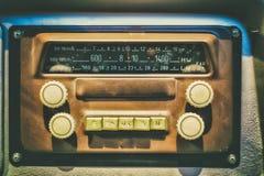 Gammal radio i retro buss Fotografering för Bildbyråer