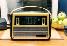 Gammal radio som är retro, tappning Royaltyfri Foto