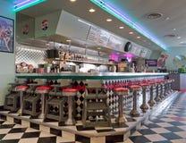 gammal restaurang för 1950 stil Arkivfoton