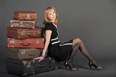 gammal resväskakvinna Royaltyfri Foto