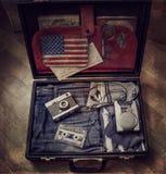 gammal resväska Arkivfoto