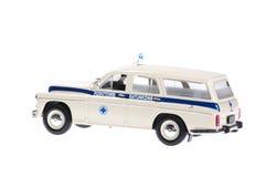 Gammal retro ambulans. Arkivbilder