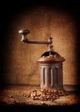Gammal retro kaffegrinder Arkivbild