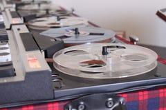 Gammal retro rullljudsignalregistreringsapparat royaltyfria bilder