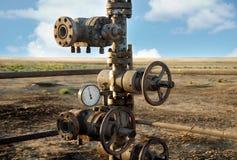 gammal rigg för olja Arkivfoto
