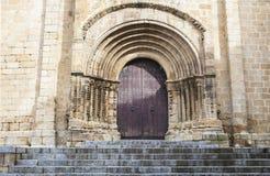 Gammal romansk domkyrka av Plasencia Fotografering för Bildbyråer