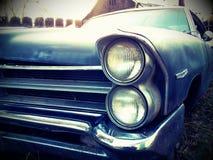 Gammal rostad bil Fotografering för Bildbyråer