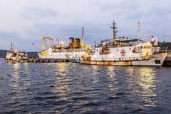 Gammal rostig för färjor operatet fortfarande från Port Blair till annat som är islan Royaltyfri Fotografi