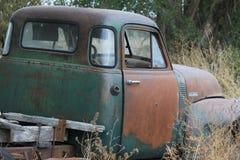 gammal rostig lastbil Royaltyfri Foto
