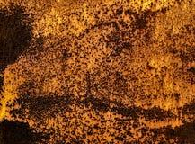 Gammal rostig metallisk brun väggbakgrund, textur, modell Arkivfoto
