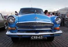Gammal ryssblåttbil Arkivbild