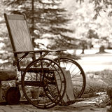 gammal s rullstol för 1920 Arkivfoton