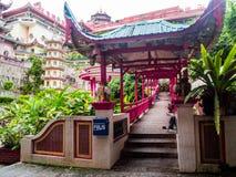 Gammal sakral buddist Kek Lok Si Temple för härligt landskap i Penan arkivfoton
