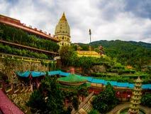 Gammal sakral buddist Kek Lok Si Temple för härligt landskap i Penan arkivbilder