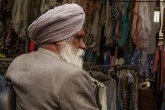 Gammal sikh- man i Amsterdam royaltyfria bilder