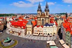 Gammal sikt för stadfyrkant, Prague Fotografering för Bildbyråer