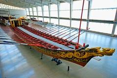 Gammal skeppspansk gallion i det maritima museet, Lissabon, Portugal Arkivbilder