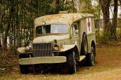 gammal skjuten lastbil för läkare upp Arkivfoton