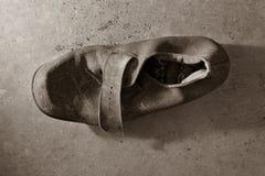 gammal sko för läder royaltyfri bild