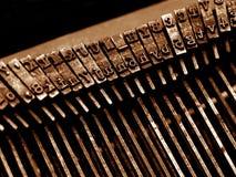 gammal skrivmaskin för closeup Arkivbilder
