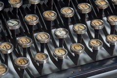 gammal skrivmaskinstappning arkivbild