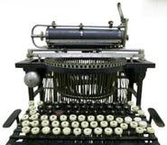 gammal skrivmaskinstappning Arkivfoto