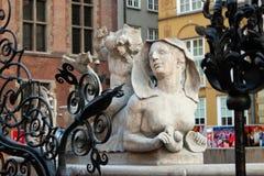 Gammal skulptur i Gdansk poland Royaltyfri Bild