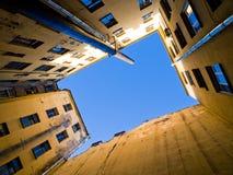 gammal sky för domstol Royaltyfri Fotografi
