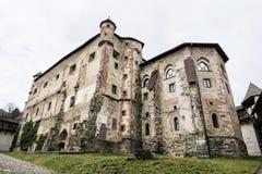 Gammal slott i Banska Stiavnica, slovakisk republik, loppdestinat Fotografering för Bildbyråer
