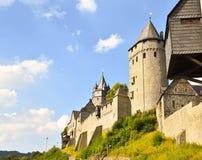 Gammal slott i Europa arkivbild