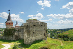 Gammal slott i Kamianets-Podilskyi Royaltyfria Bilder