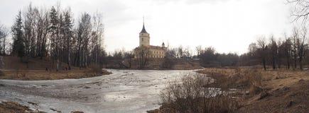 Gammal slott i Pavlovsk, Ryssland Royaltyfria Foton