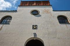 Gammal slottvägg i Dubno, Ukraina Royaltyfri Fotografi