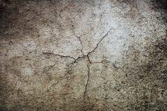 Gammal smutsig skrapad murbruk för väggtextur Arkivfoton